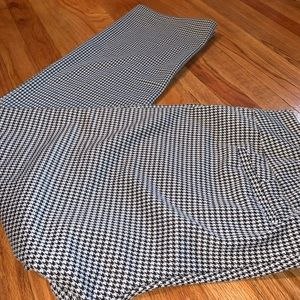 New York & Company Herringbone Pull On Pants